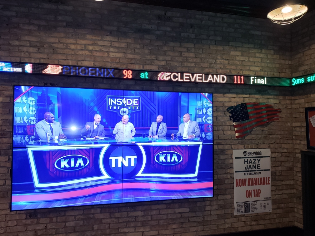 Scrolling LED Signs | Scrolling Sports Tickers